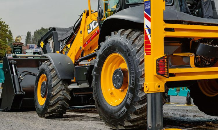 Updating a classic: JCB unveils revamped 3CX backhoe loader