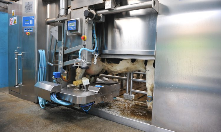 Are robots putting farm jobs at risk?