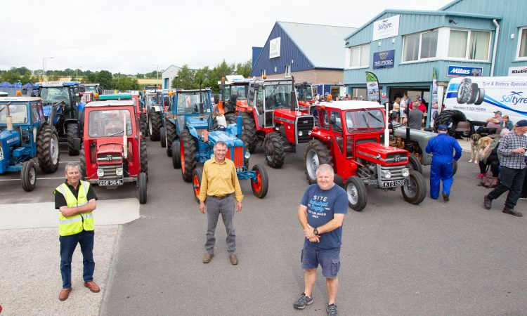86 tractors raise over £2000 for cancer and haematology care