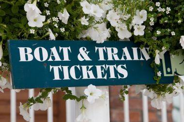 The boats & train share the same platform (1 min walk)
