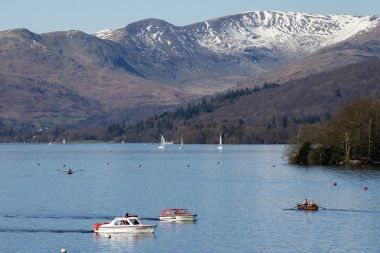 A dusting of snow on top of Fairfield Horseshoe