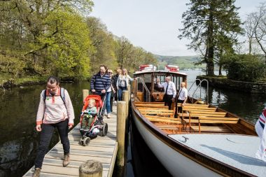 Customers disembarking at Wray Castle Pier