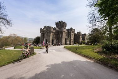 Wray Castle (Green Cruise or Walkers Ticket)