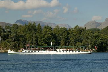 MV Tern on the Red Cruise near Wray Castle