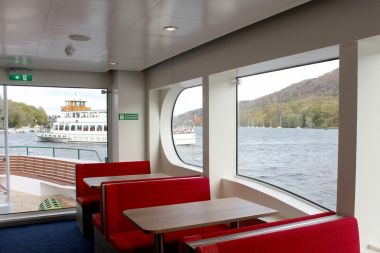 Middle deck is built for comfort & has great views