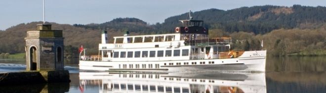 'Steamer Teal passing Storrs Temple on the Yellow Cruise