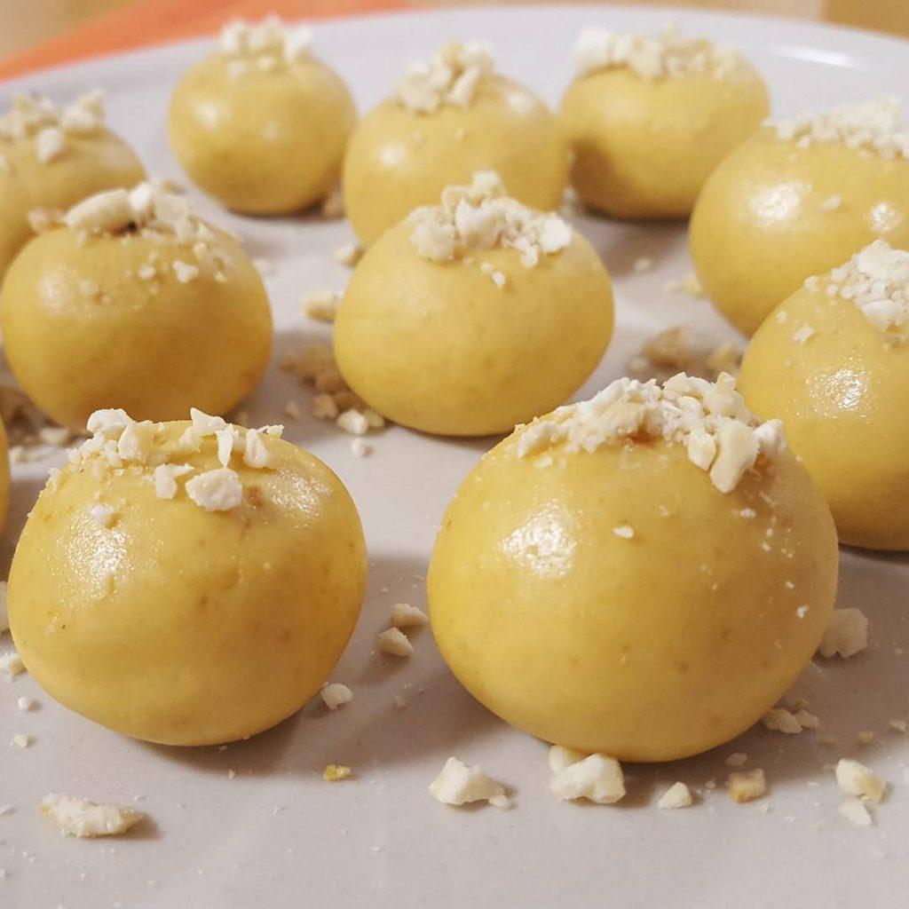 Besan & Cashew Ladoos