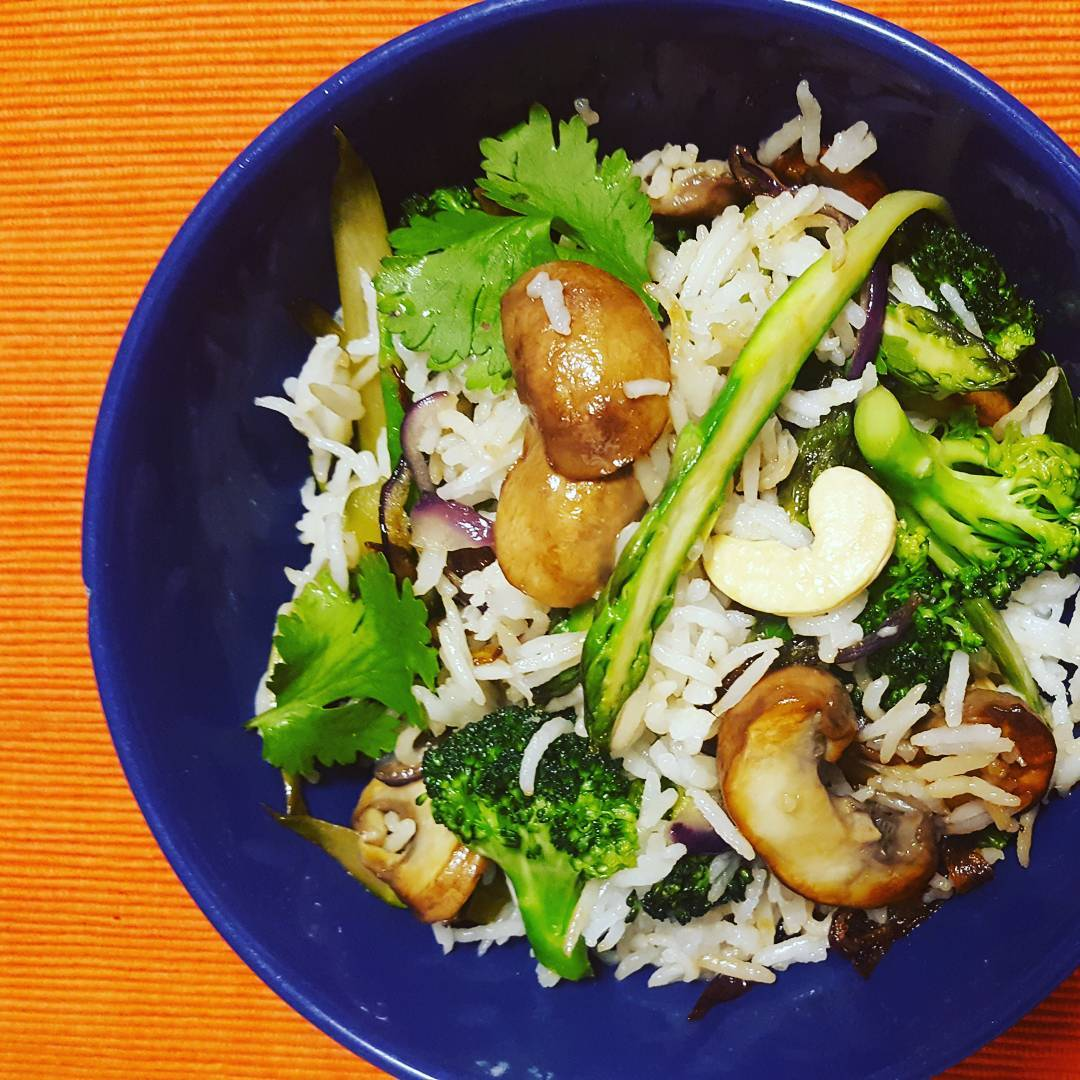 Mushrooms, Broccoli and Asparagus Rice with Caramelised Onions - Lunch box ideas