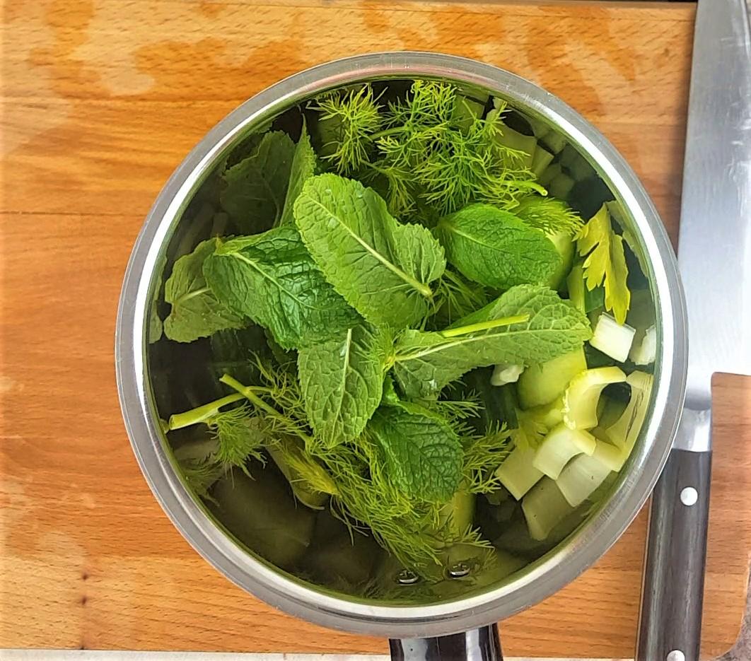 Cucumber soup process.