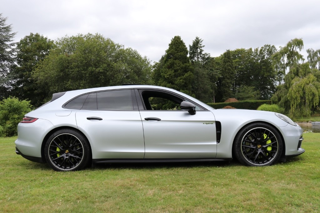 Porsche Panamera Marlow Buckinghamshire 6591797 (1) - Marlow Cars Ltd