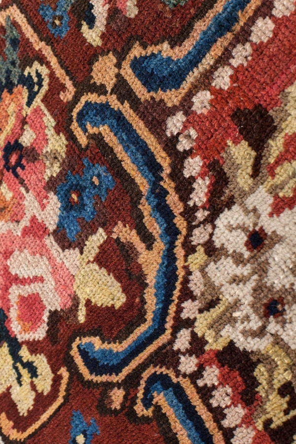 Very Fine Gol Farangi - Bakhtiari Rug at Essie Carpets, Mayfair London