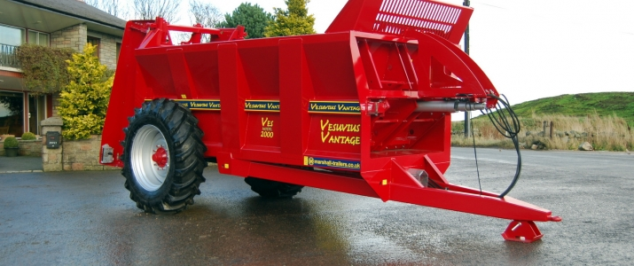 Rear Discharge Muck Spreaders
