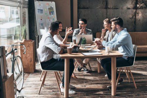 meetings-in-industrial-office-design