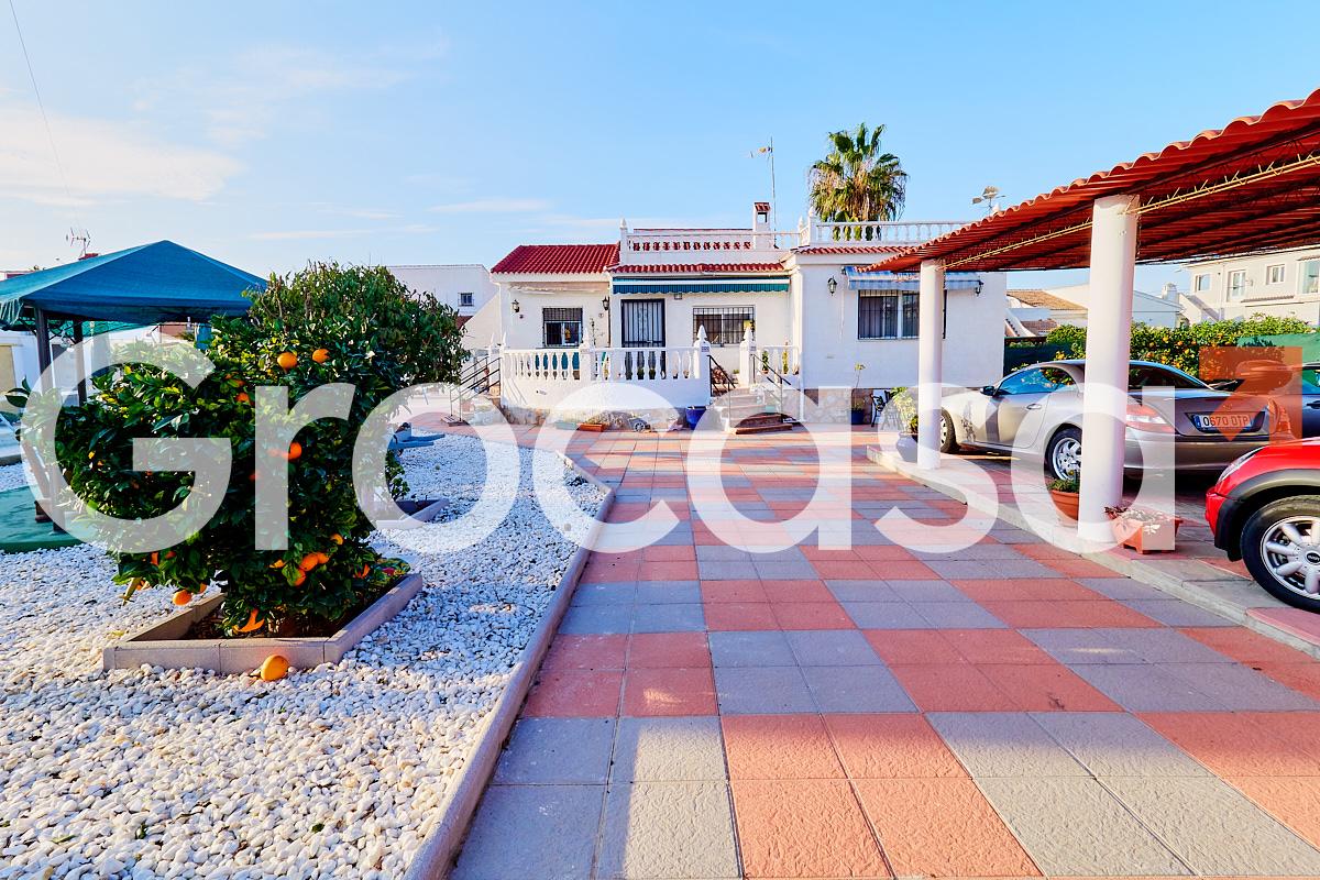 Casa en Torrevieja en Venta por 300.000€