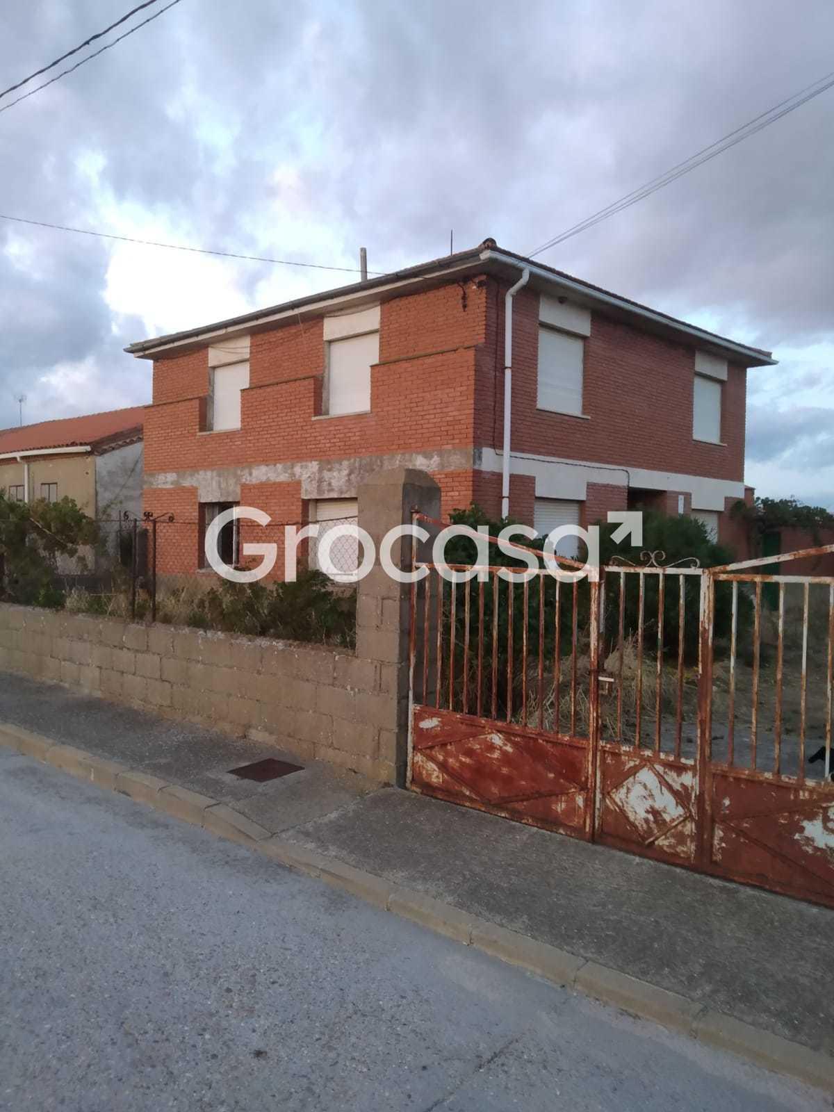 Casa en Pozuelo de Tábara en Venta por 45.000€