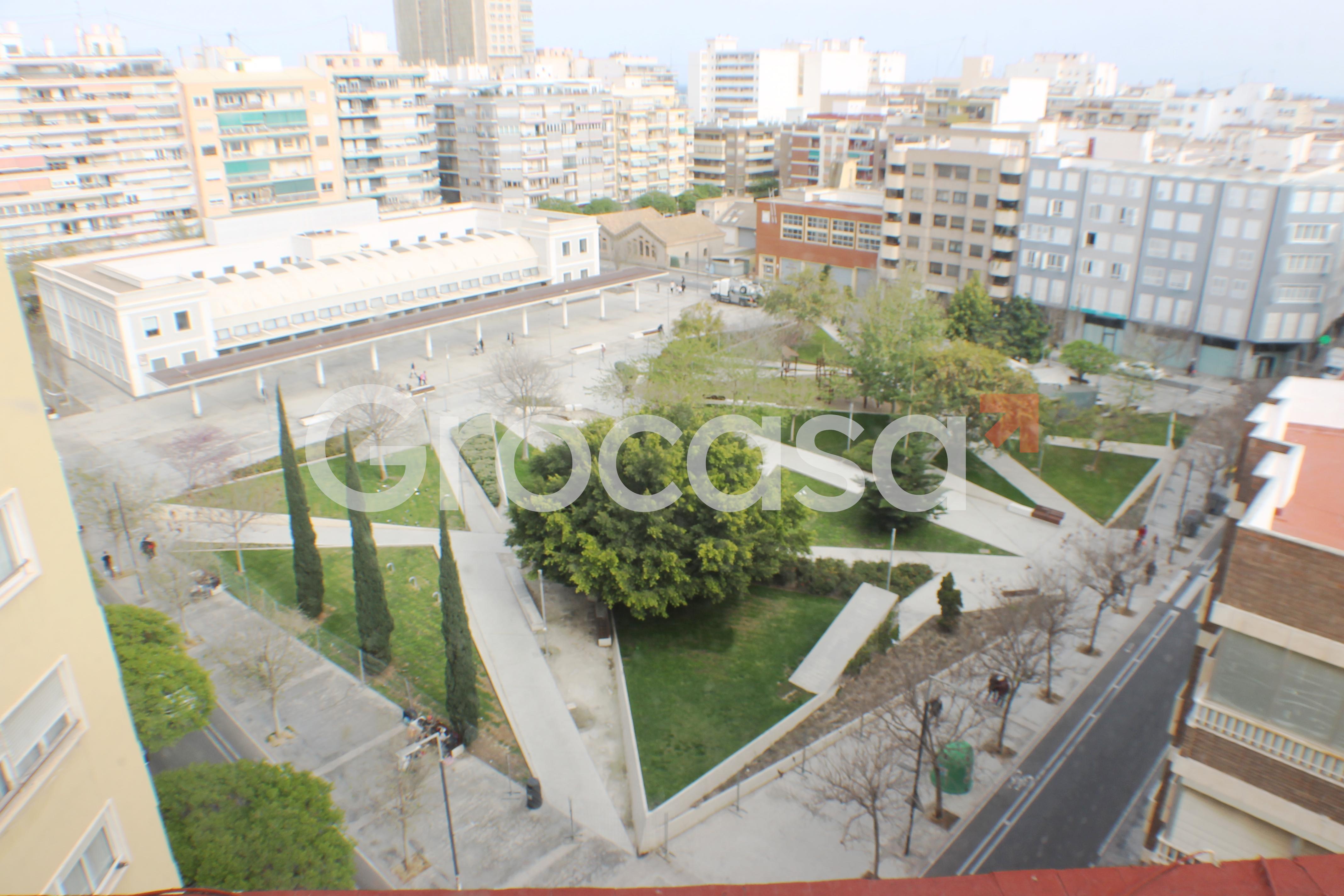 Ático en Alicante/Alacant en Venta por 170.000€