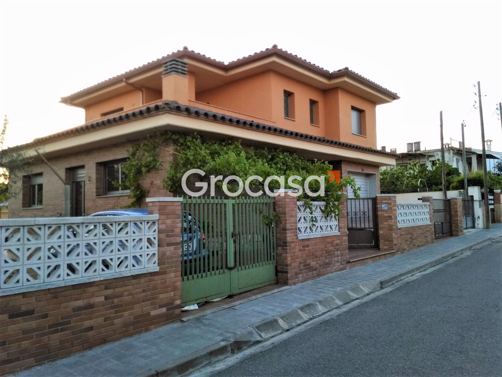 Casa en Sant Miquel de Fluvià en Venta por 399.000€