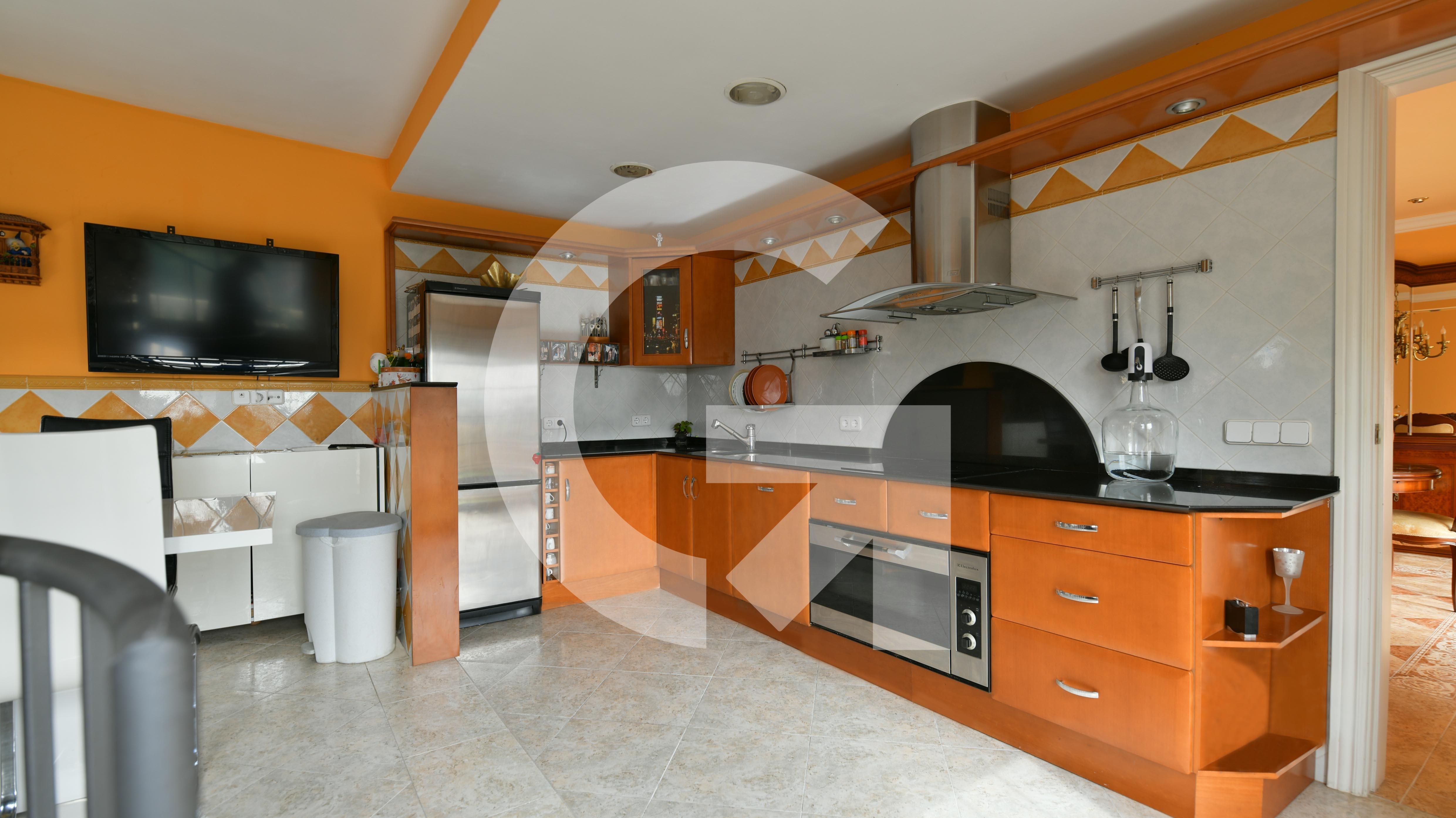 Casa en Sant Feliu de Llobregat en Venta por 890.000€
