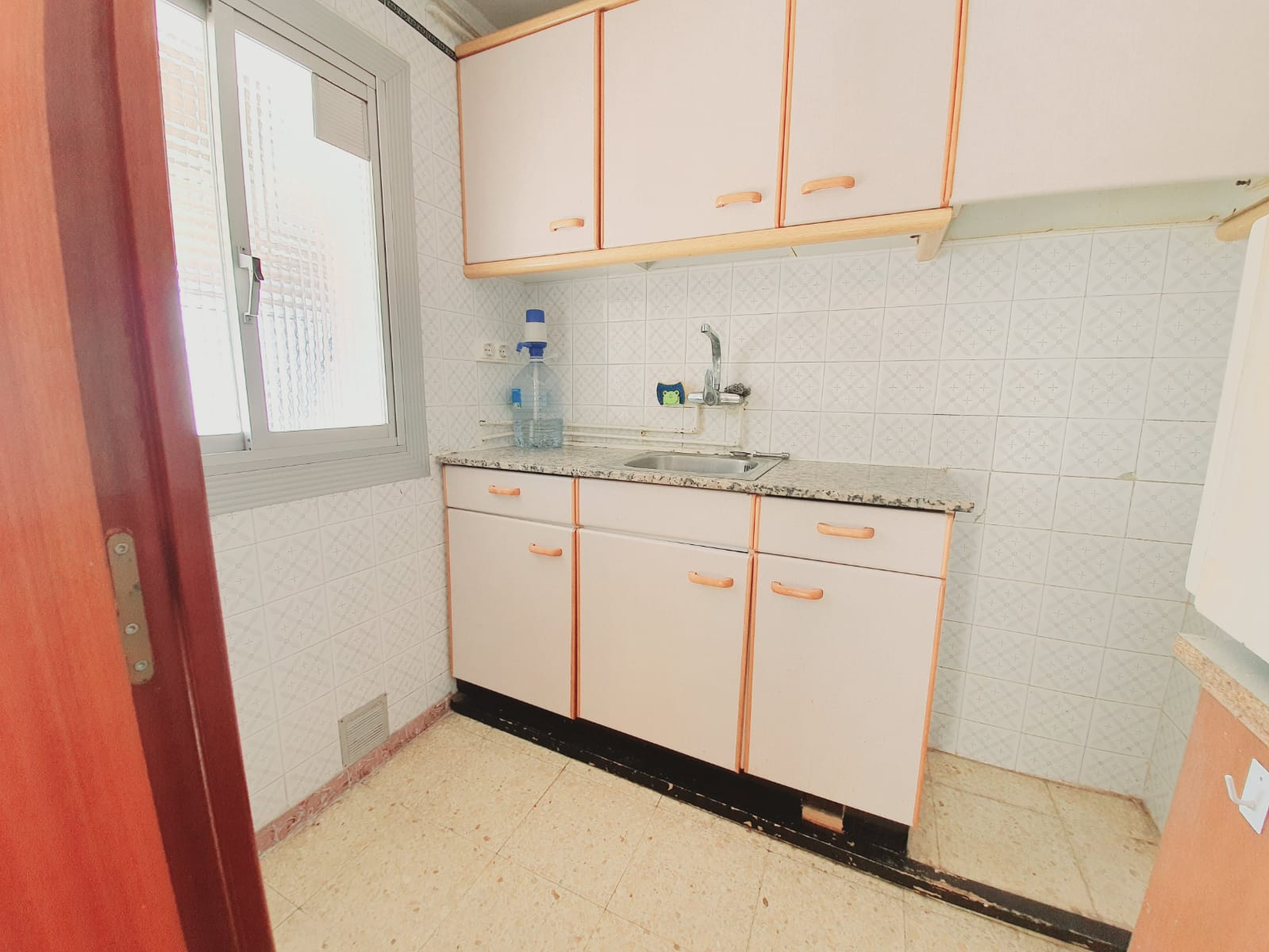 Piso en La florida en L'Hospitalet de llobregat en Venta por 92.000€