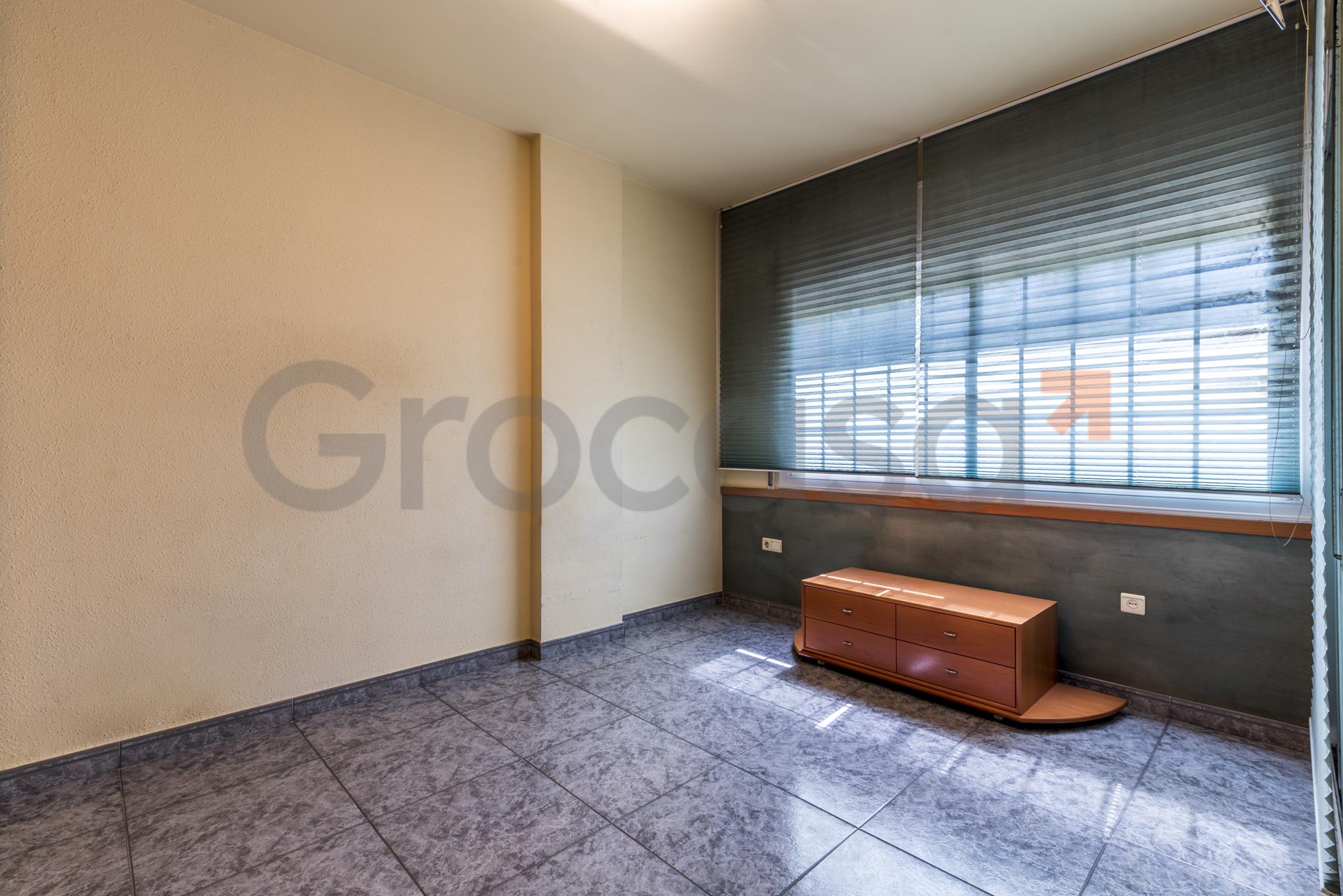 Piso en Sant josep en L'Hospitalet de llobregat en Venta por 249.000€