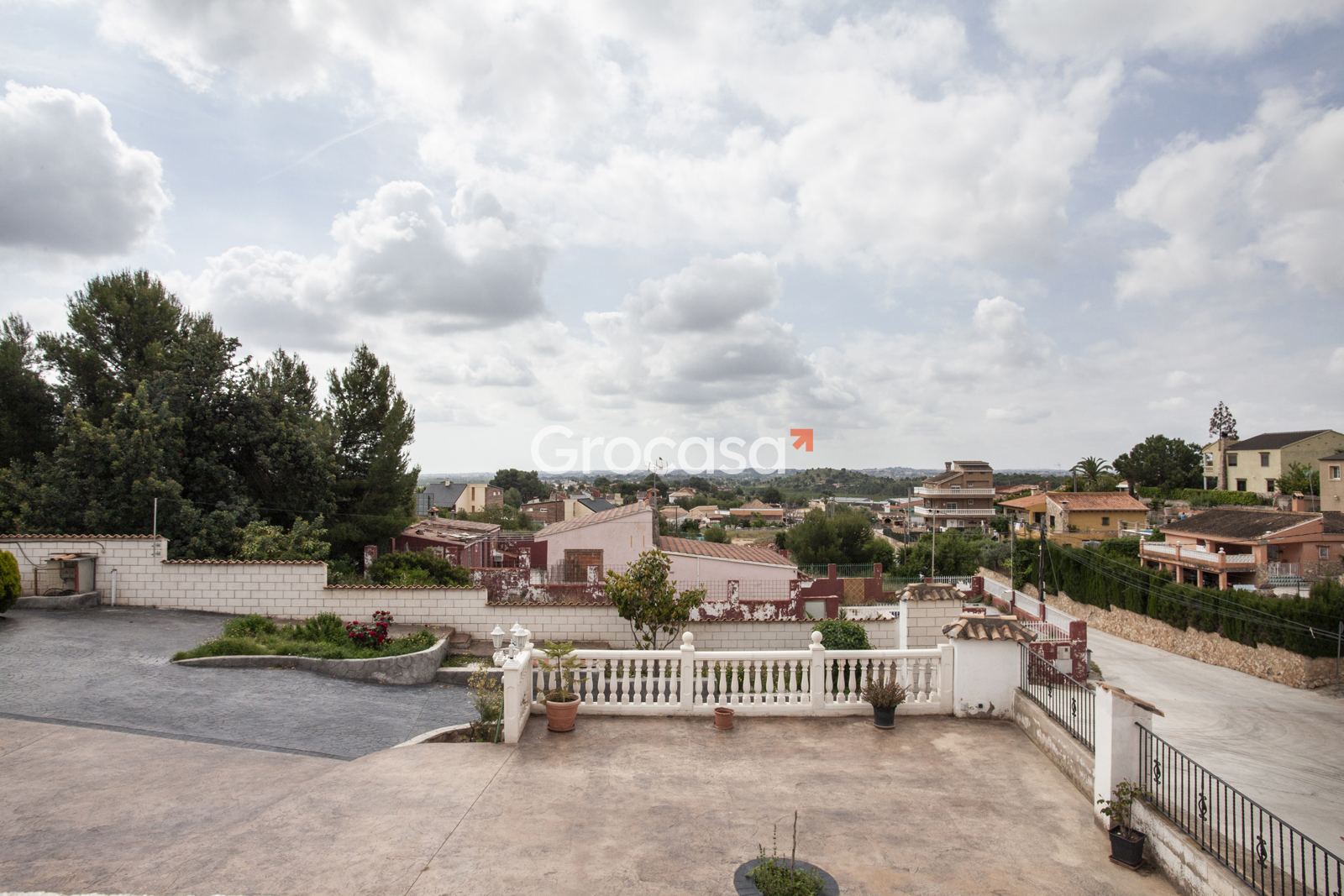 Casa en La Pobla de Vallbona en Venta por 350.000€