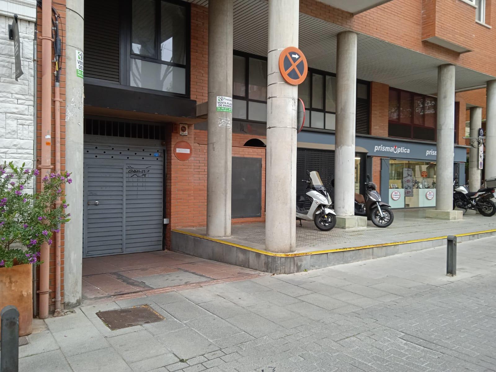Parking en Esplugues de Llobregat en Venta por 18.000€