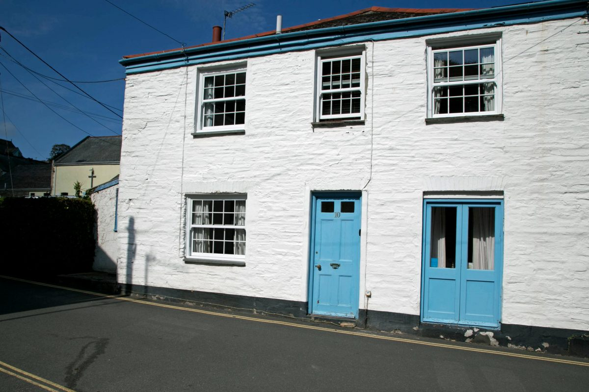 10 Church Lane with Harbour Holidays
