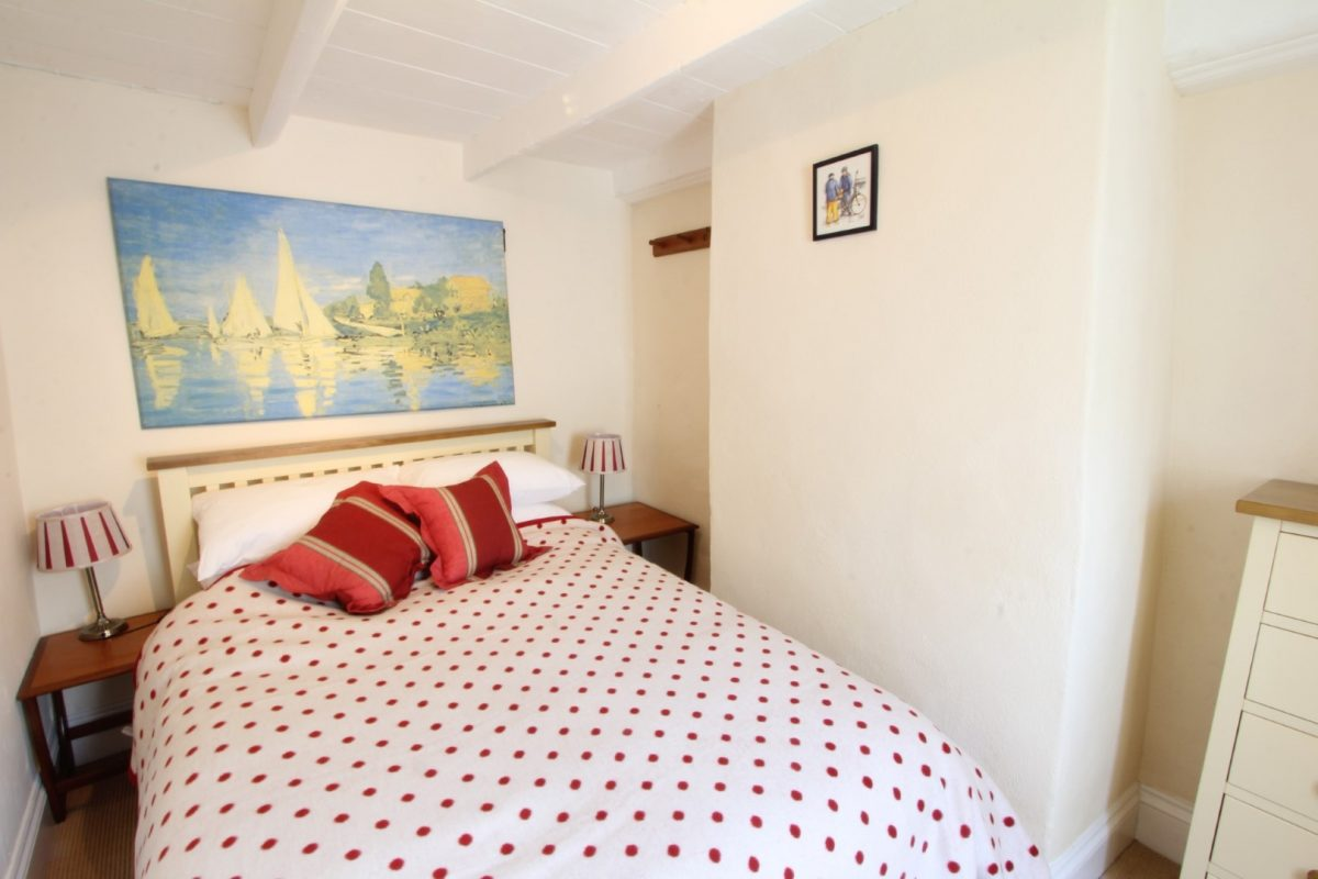 Fuschia Cottage with Harbour Holidays