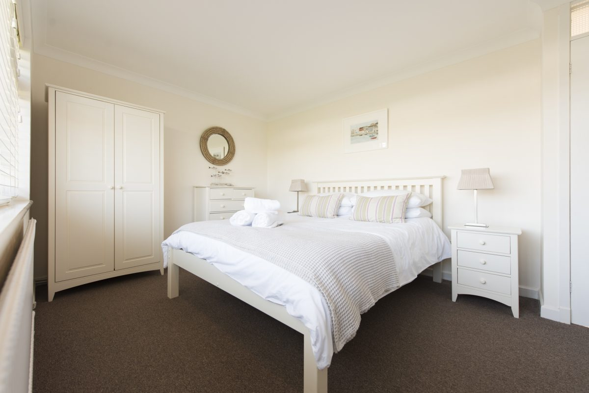 4 Crescent Rise with Harbour Holidays