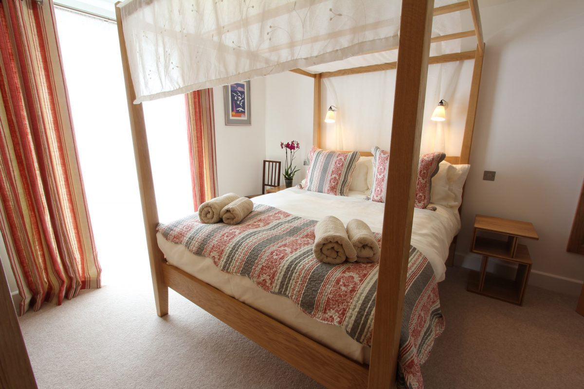 12 Samphire with Harbour Holidays