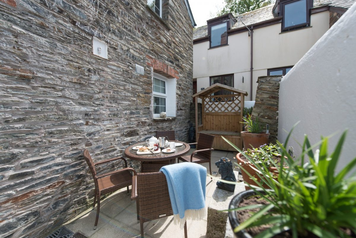 Hidden Cottage with Harbour Holidays