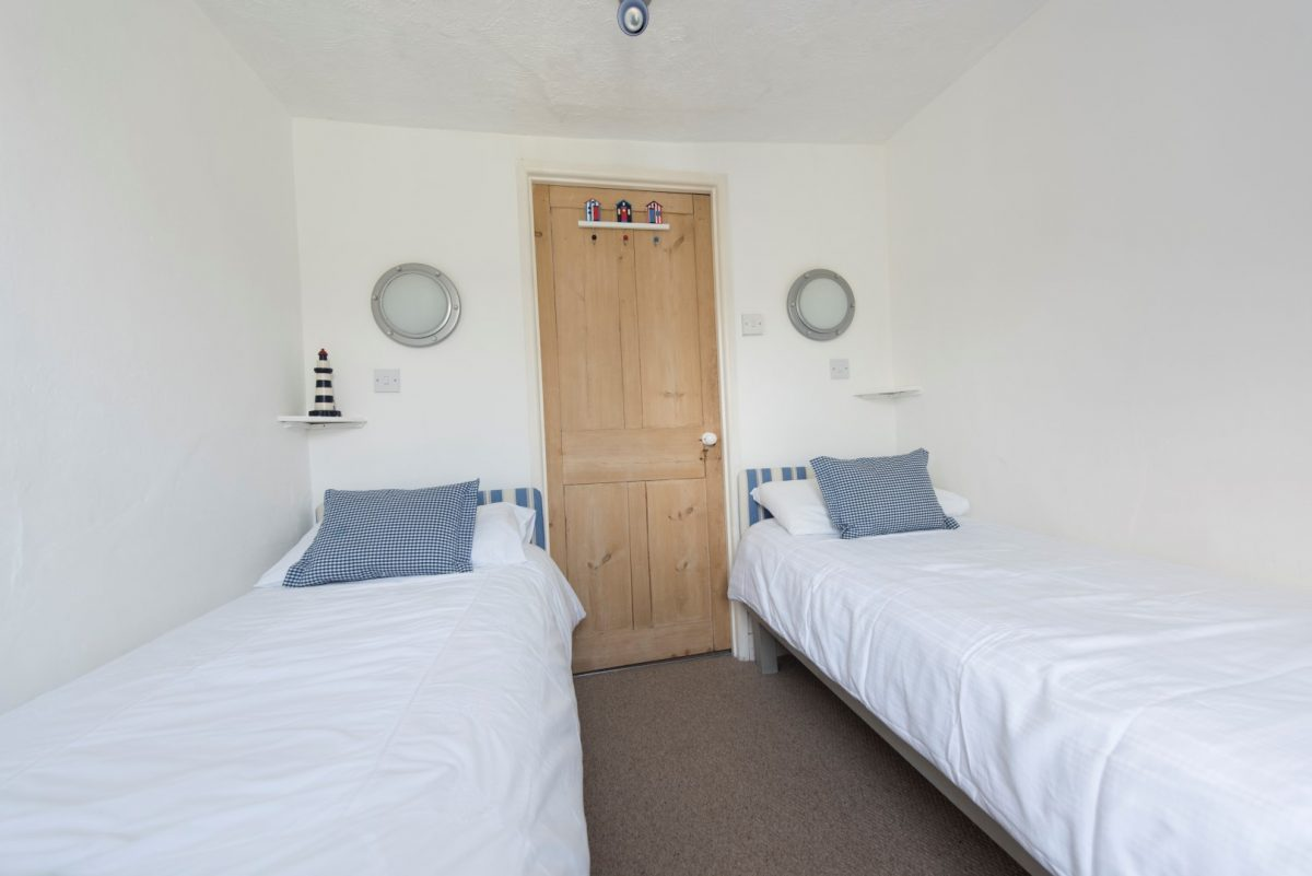 Pebble Cottage with Harbour Holidays