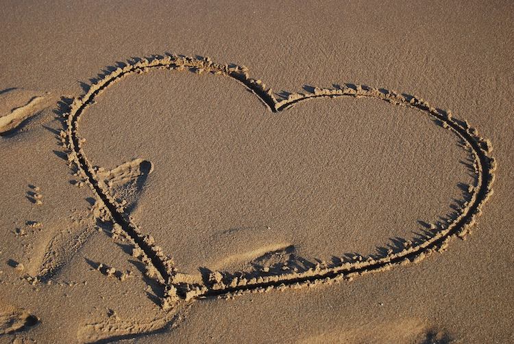 Heart-on-Beach-Padstow-Cornwall
