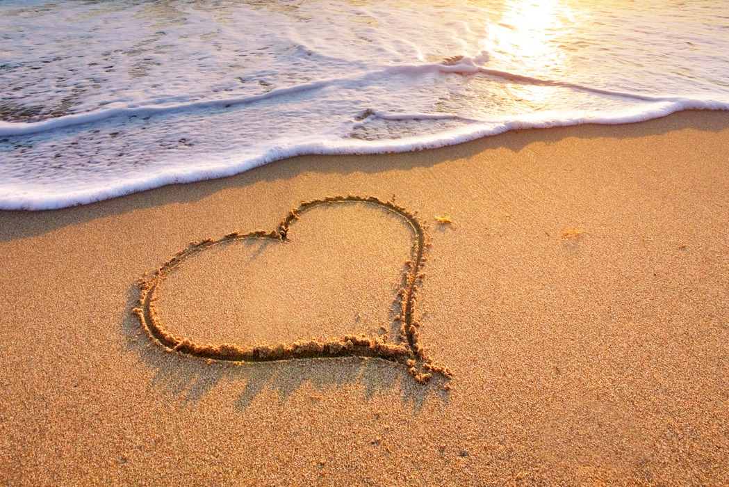 Love-Heart-Beach-Cornwall