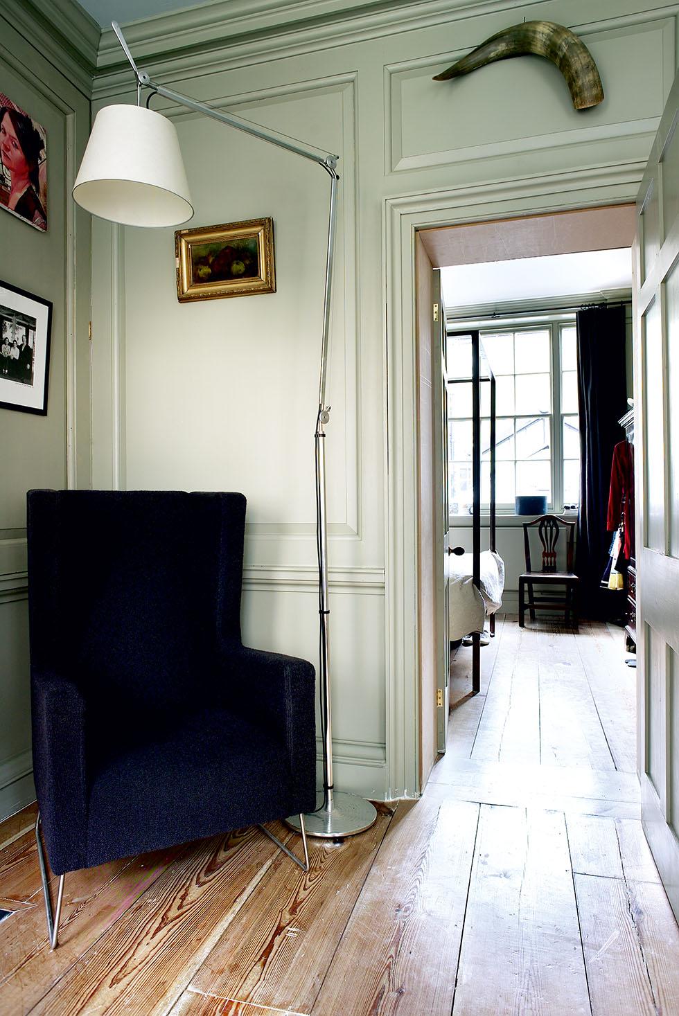 dyson-armchair