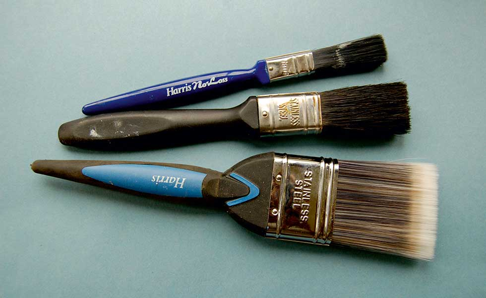 paint brushes for gloss painting a window