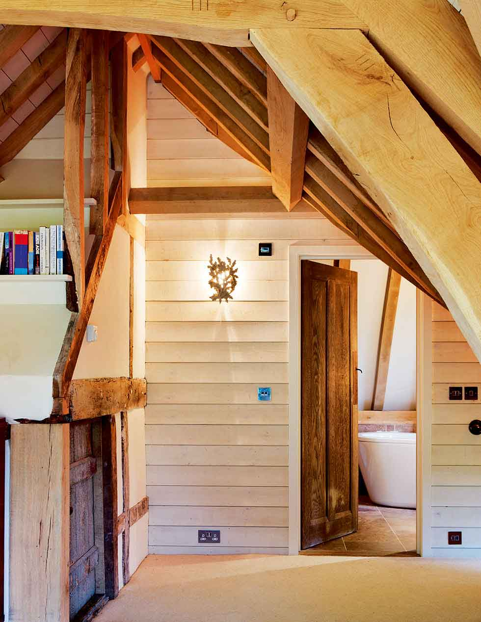 The landing leading to the bathroom