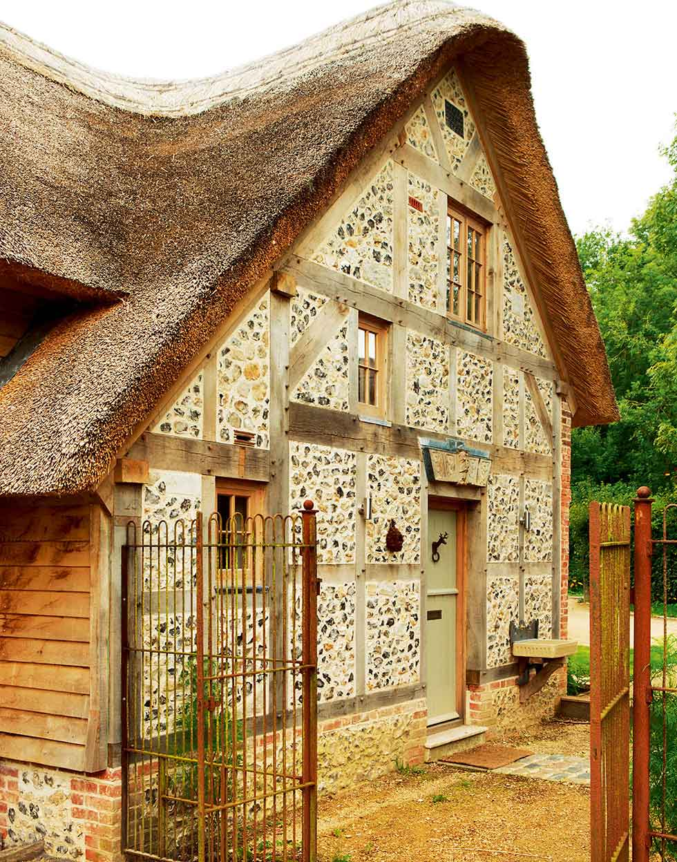 Restired listed cottage with flint exterior