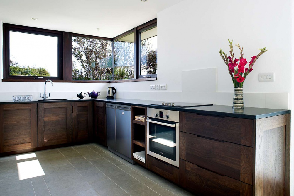 Accessible kitchen fittings