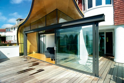 Sunflex SVG sliding doors on an extension