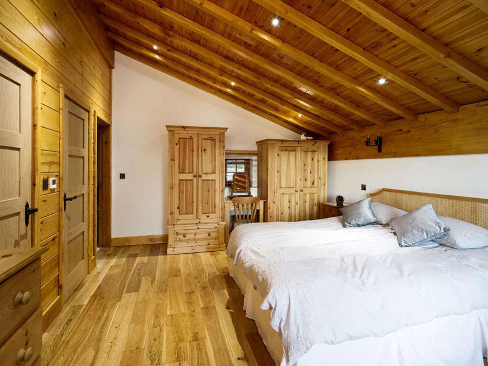 Swiss Chalet - Bedroom