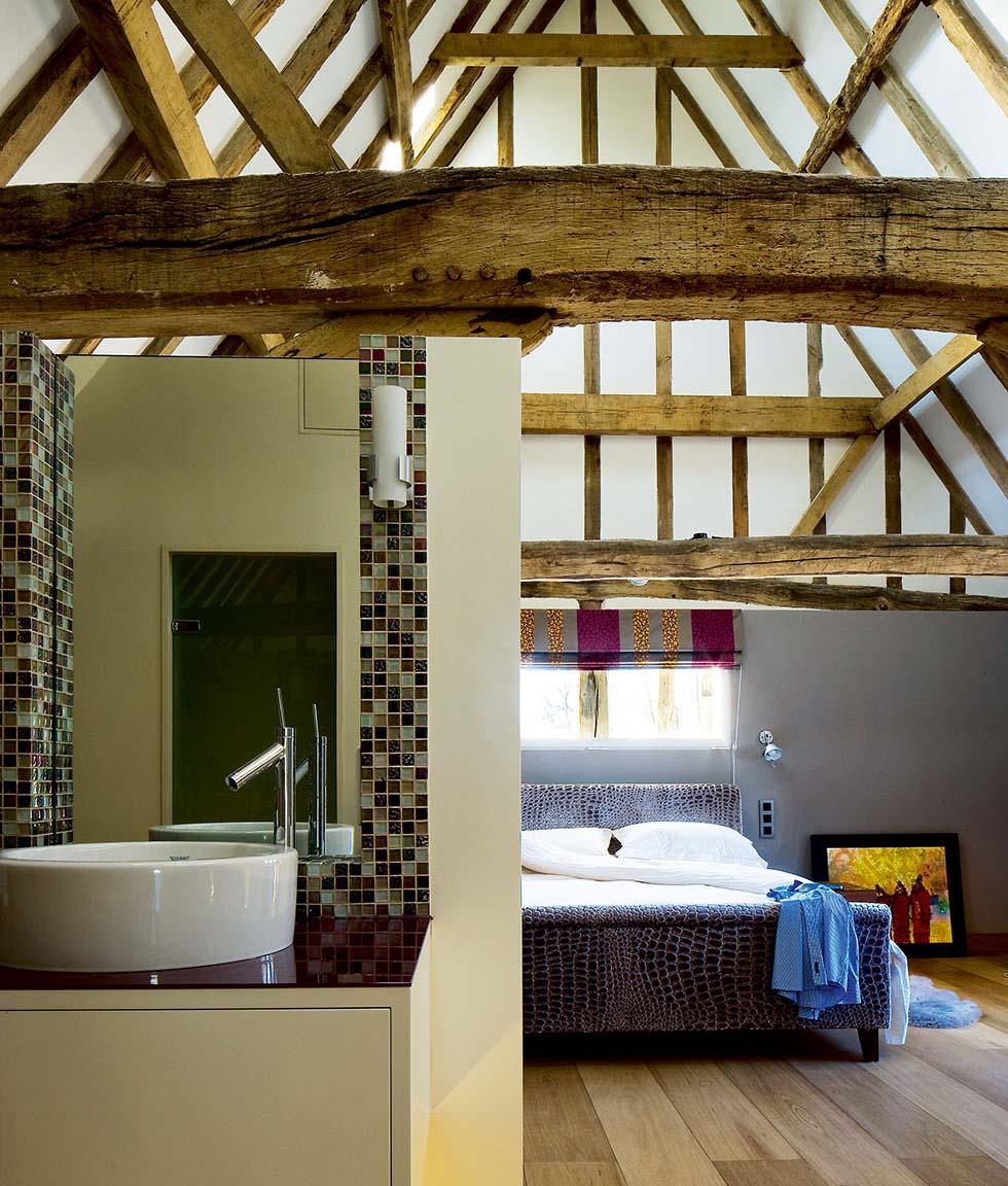Chantry Barn Bedroom with En Suite Bathroom