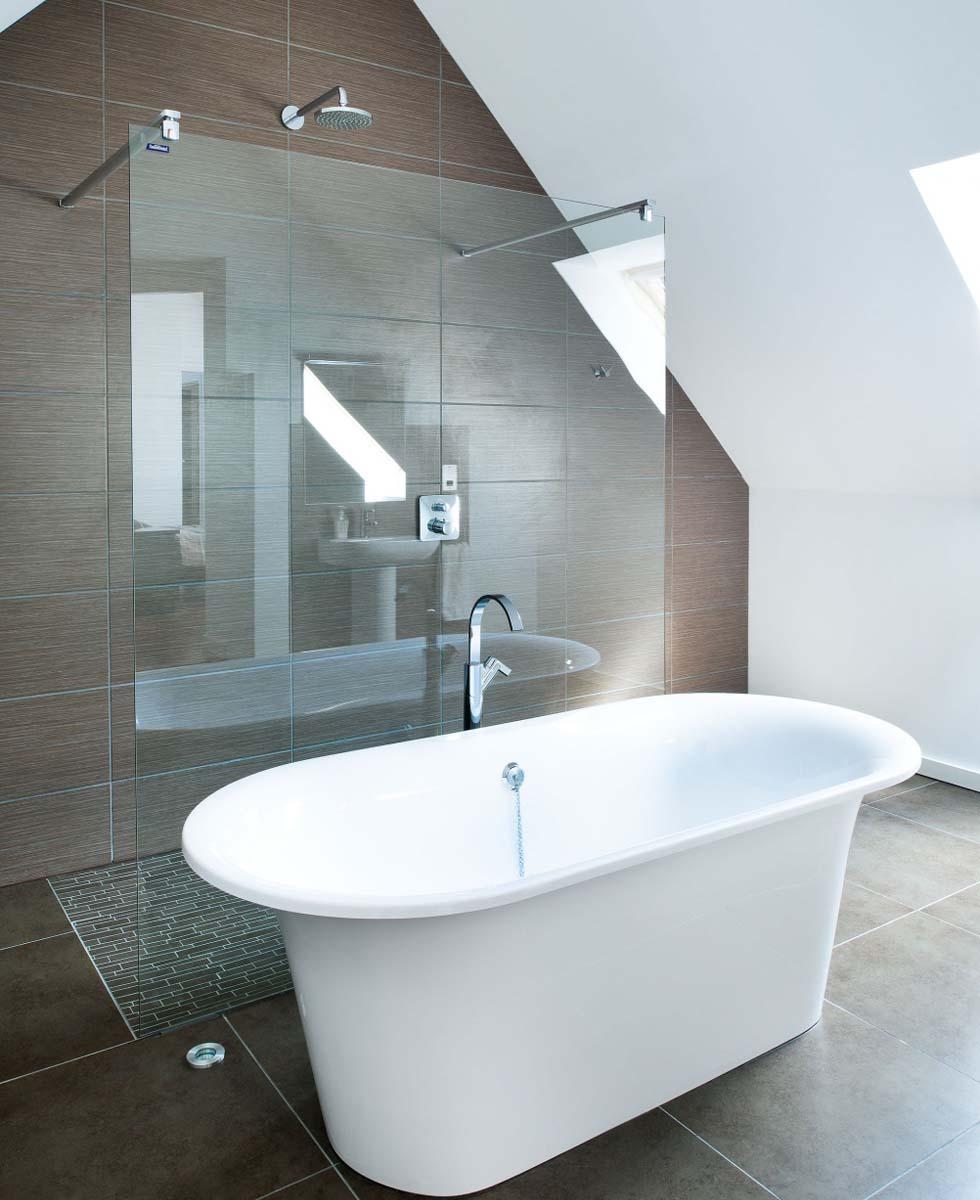Orr minimalist bathroom