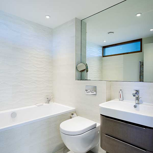 small-bathroom-with-high-level-glazing