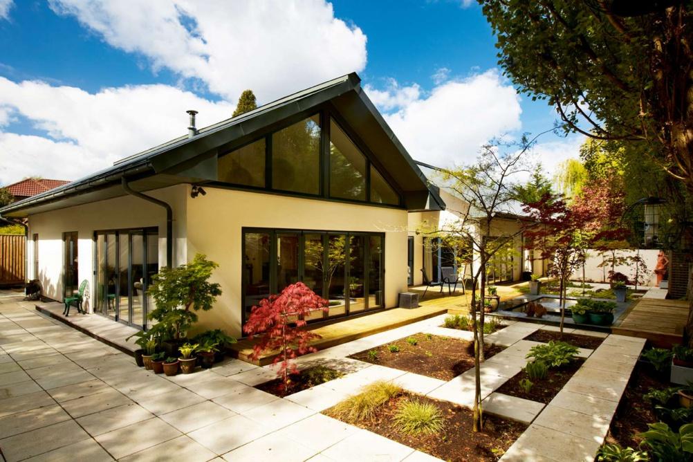 Contemporary single storey home