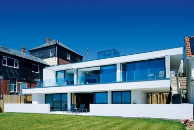 A modernist seaside home