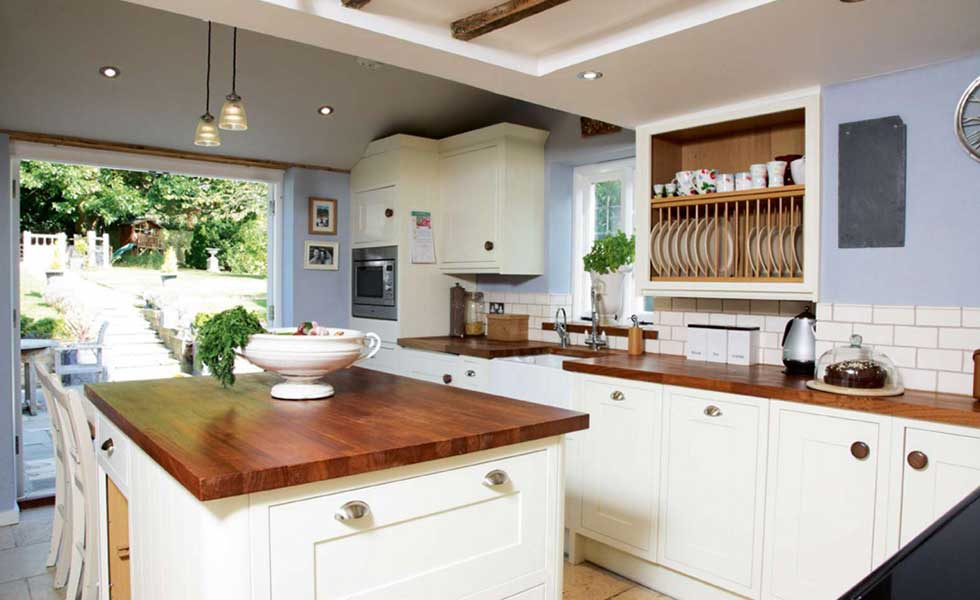 Country Kitchen Furniture Uk