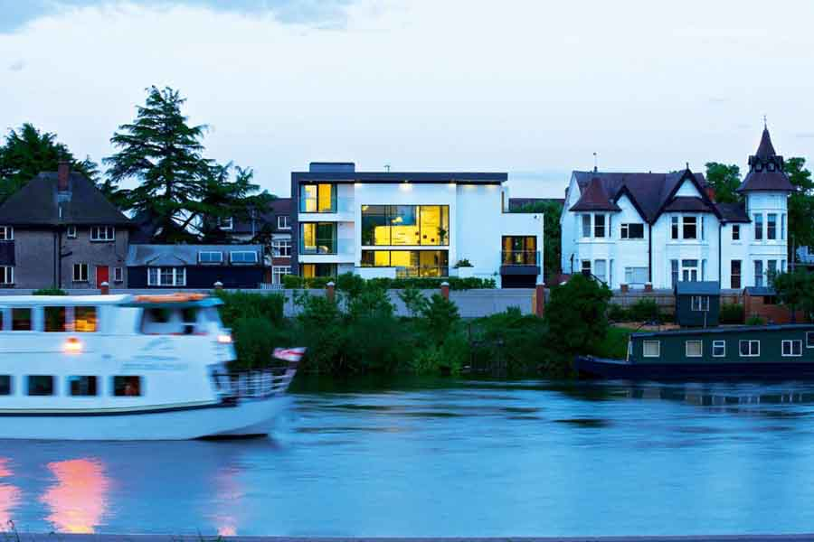 A riverside self build house