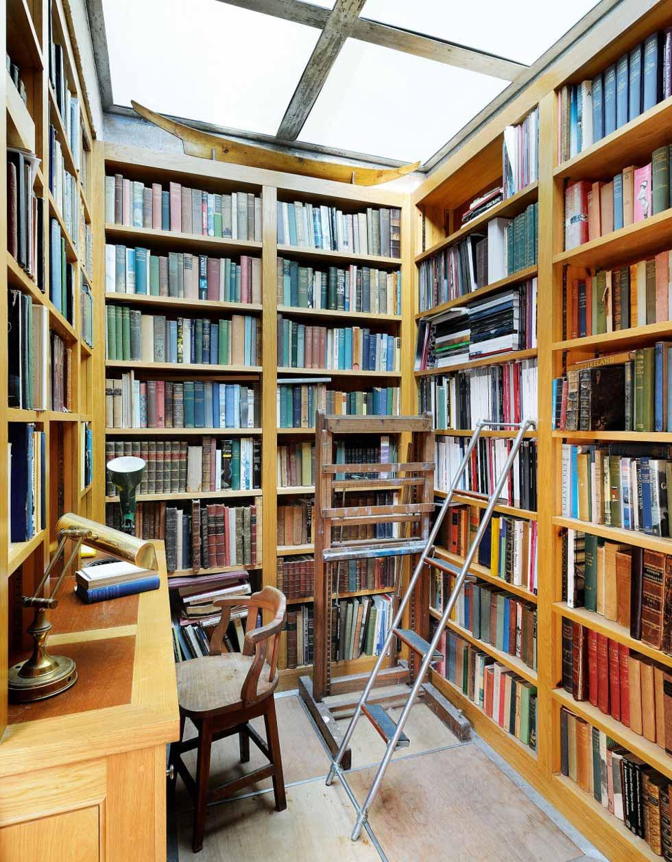 Inverdart Boathouse library