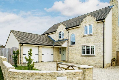 A Cotswold farmington stone home
